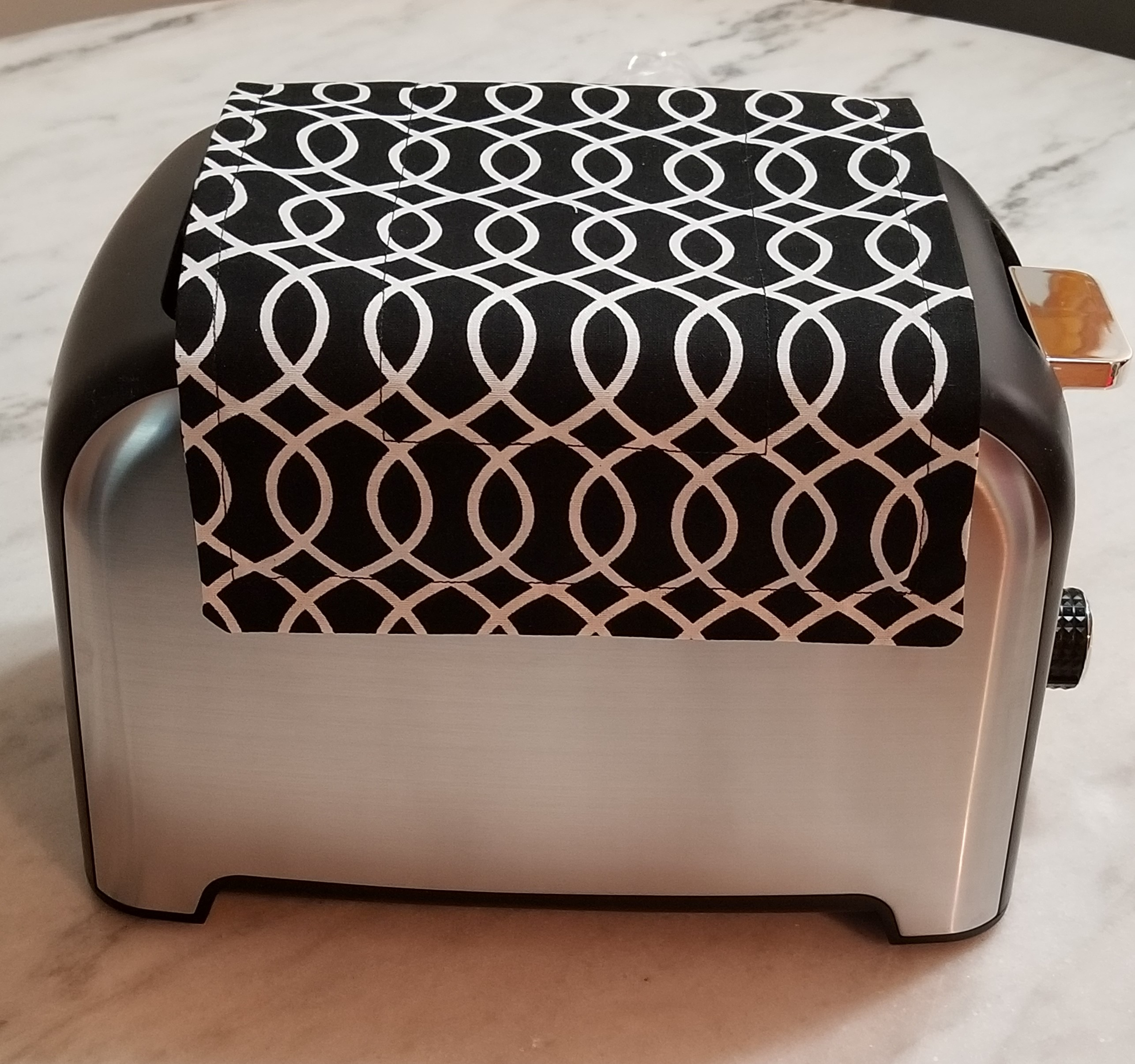 Toaster Huggee Toaster Cover Side View Blk&White
